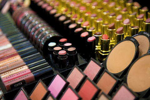 The Secrets Of The Cosmetic Industry That You Need To Know To Protect Your Health