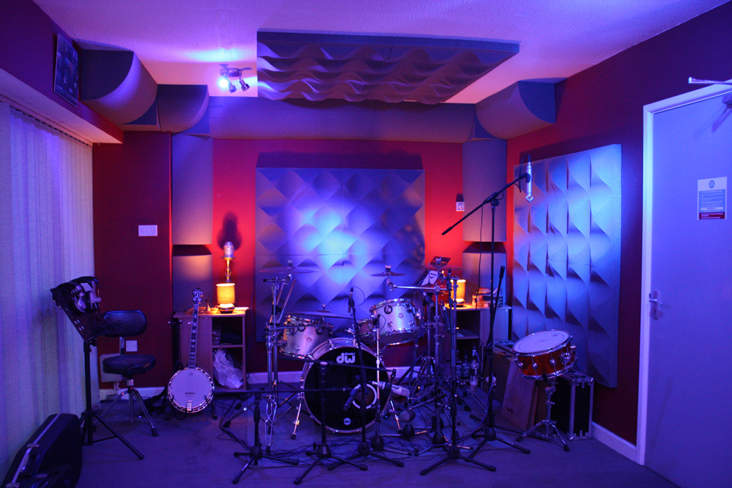 How To Set Up Your Own Home Recording Studio In 5 Easy Steps