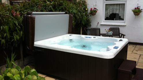 2 Great Reasons For Buying A Hot Tub