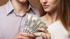 How To Manage Money As A Couple