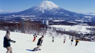 What Are The Top 10 Reasons To Ski Japan?