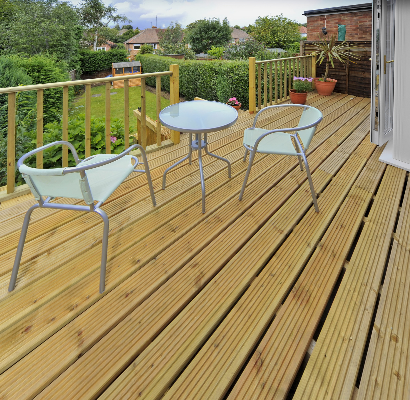 5 Reasons To Choose Modwood Decking Over Others
