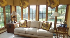 Deck Up Your Home With Curtains and Carpets