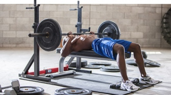 Take Gym Instructor Courses and Share Body Building Tips With Your Clients