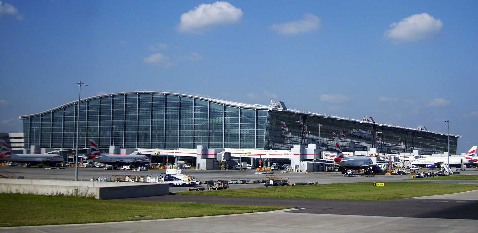 Top 3 Transport Options At London Heathrow Airport
