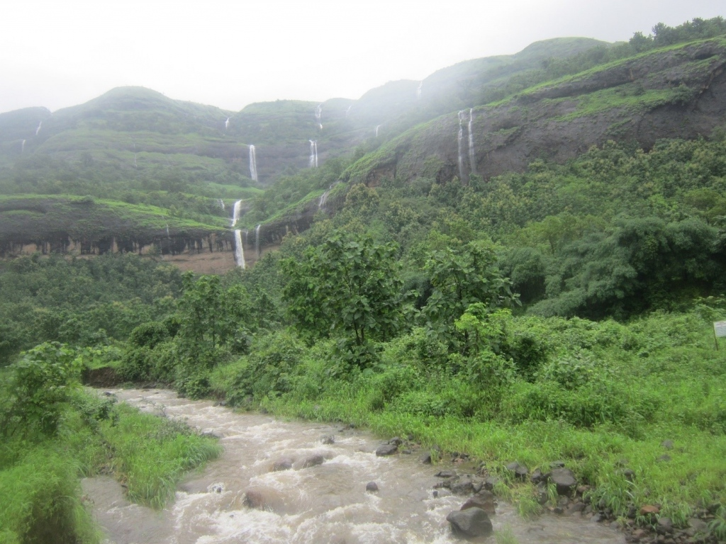 Historically Important Towns Along The Mumbai-Pune Expressway