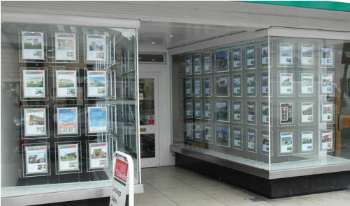 How To Choose The Best Window Display Supplier In UK