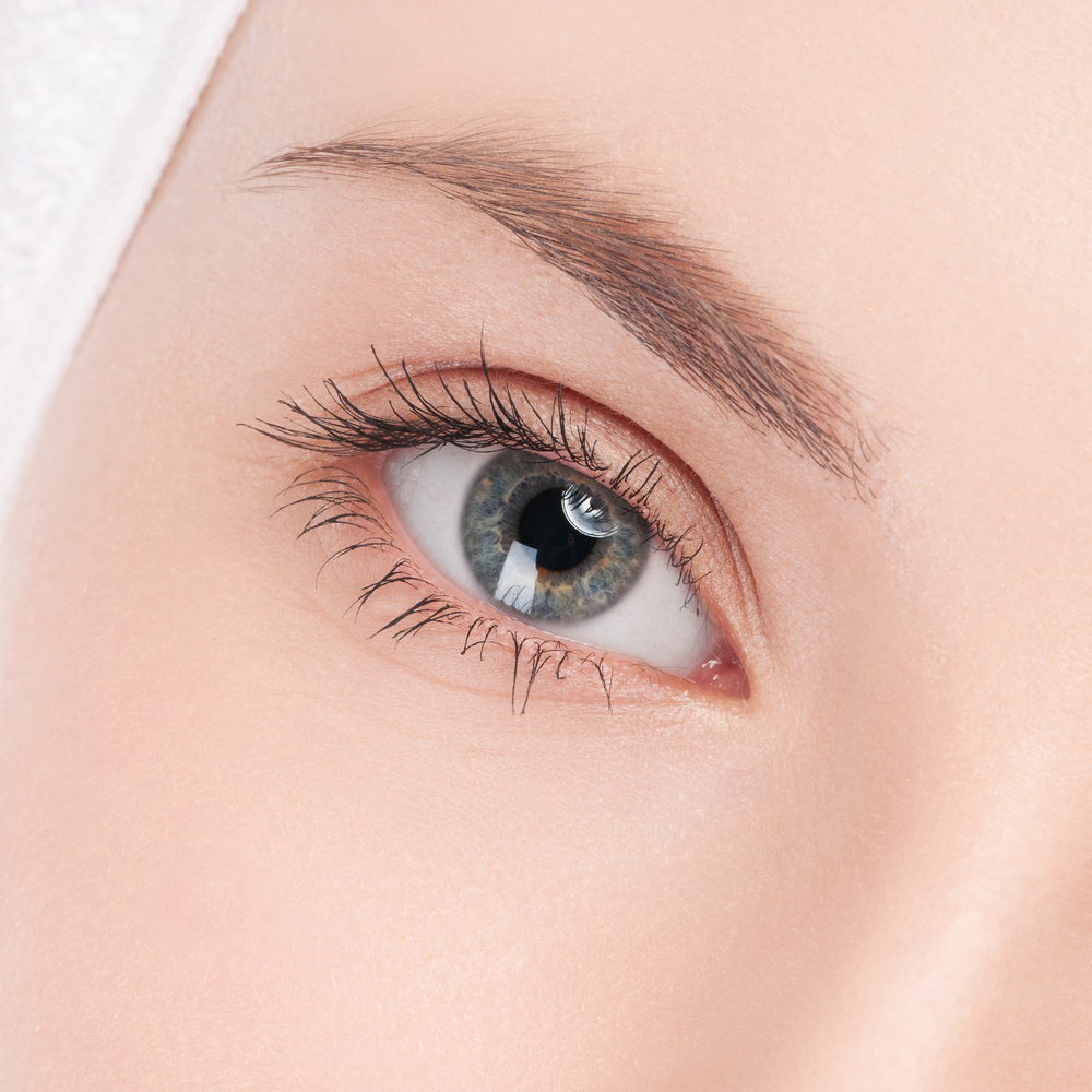 Best Eyelash Growth Serum: Recipe For Long and Healthy Eyelashes