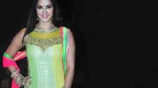 ALL THE LATEST STUFF ON SUNNY LEONE