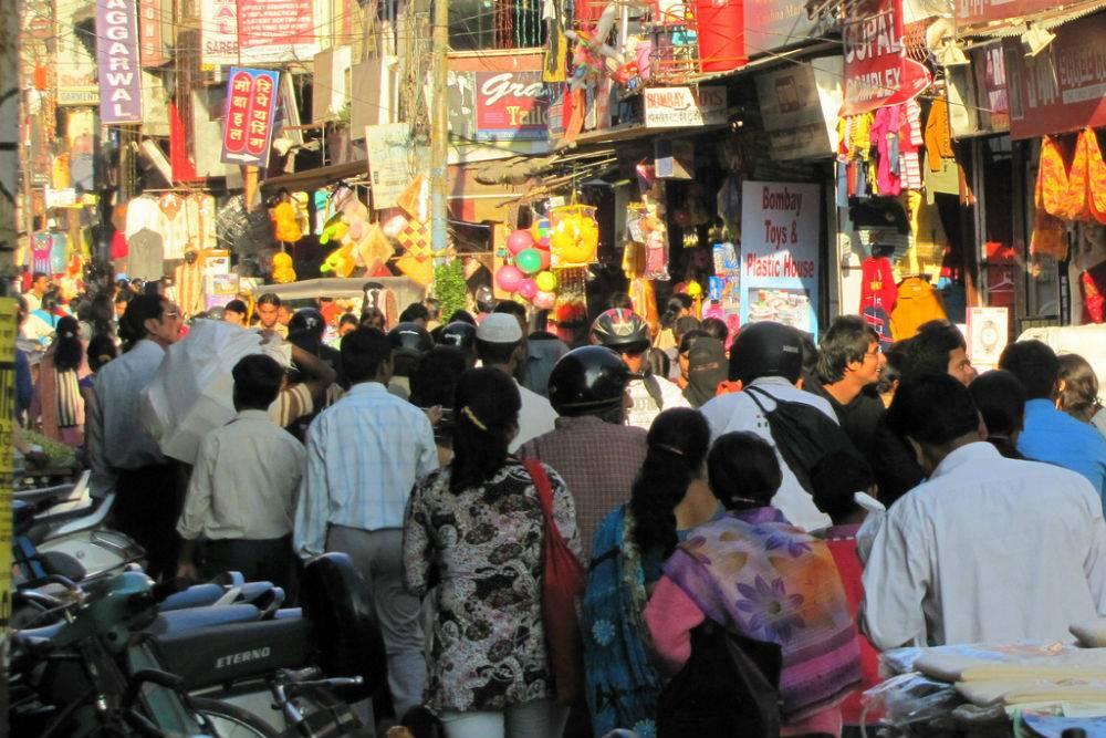 Alambagh Market