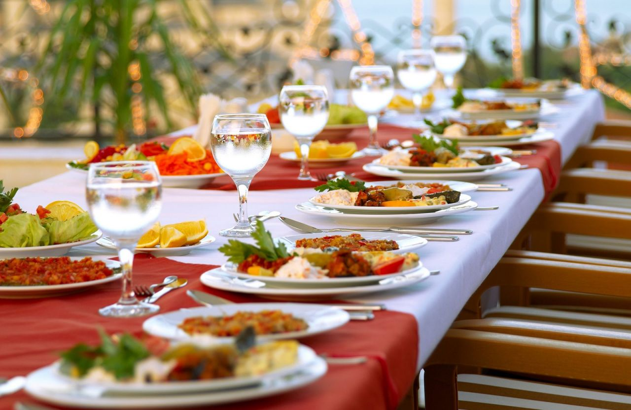 How To Get The Best Christmas Catering Services