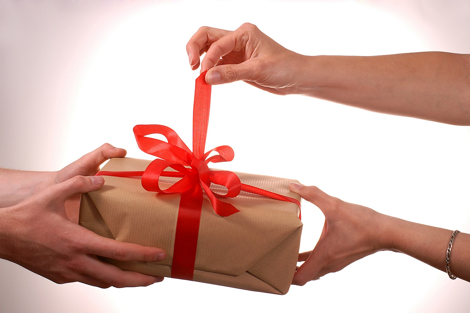 Unusual Gifts For A Woman - 3 Gift-Choosing Tips