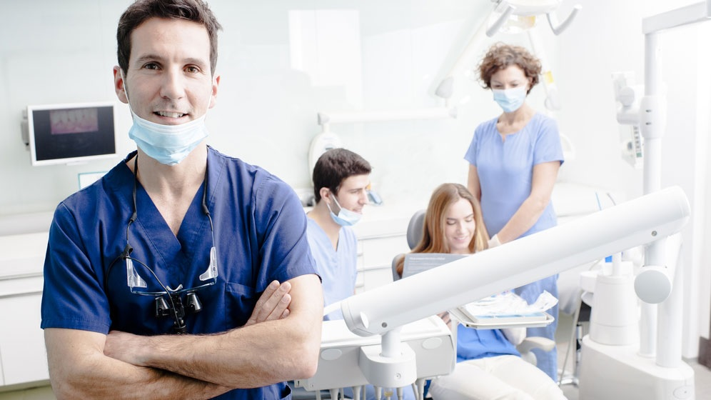 Selecting The Dentists In Los Angeles