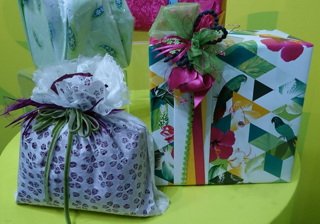 10 Simple Yet Elegant Ways to Pack Your Gift