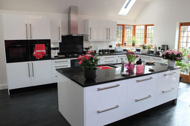 Make Your Kitchen Heavenly Place With Granite Worktops