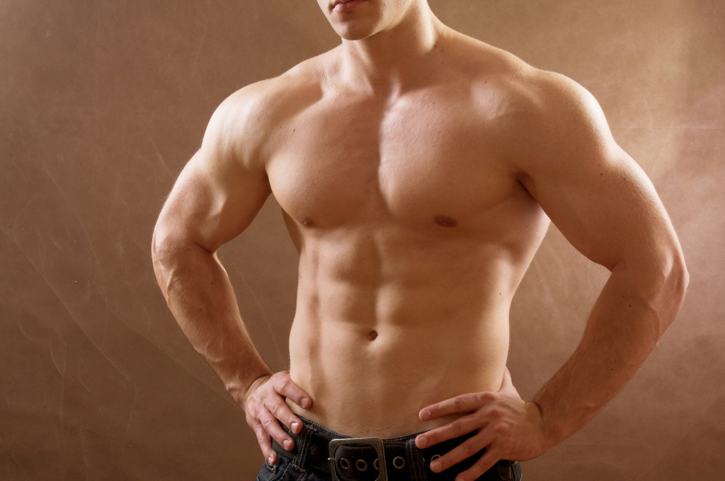 парень атлетического телосложения фото запечь