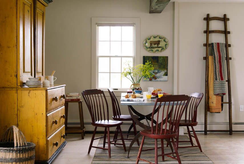 Organize Your Dining Room With These Simple Tips