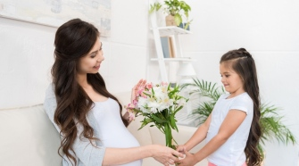 The Best Flowers To Choose For This Mother's Day