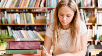 How To Seek Thesis Writing Help In UK