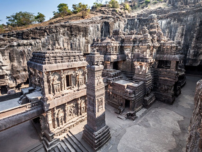 Experience Ellora Caves With Deccan Odyssey Train