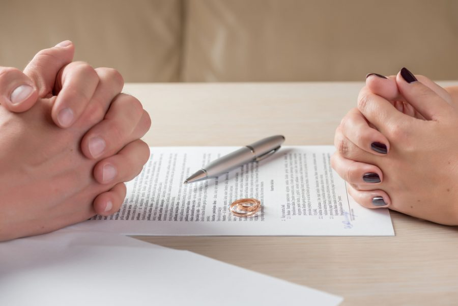 Divorce Without A Lawyer: Benefits Of Hiring An Online Divorce Company